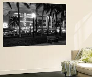 Art Deco Architecture of Ocean Drive by Night - Miami Beach - Florida by Philippe Hugonnard