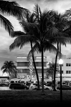 Art Deco Architecture of Ocean Drive - Miami Beach - Florida by Philippe Hugonnard