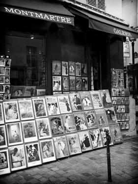 Art shop - Montmartre - Paris by Philippe Hugonnard