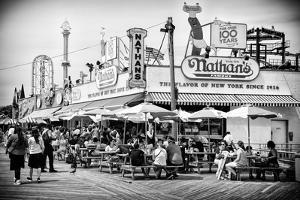 Black Manhattan Collection - Famous Hot Dog by Philippe Hugonnard