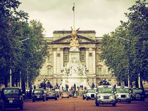 Buckingham Palace and Black Cabs - London - UK - England - United Kingdom - Europe by Philippe Hugonnard
