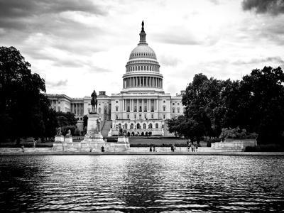 Capitol Reflecting Pool and the Capitol Building, US Congress, Washington D.C, White Frame