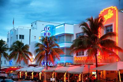 Colorful Ocean Drive - South Beach - Miami Beach Art Deco Distric - Florida by Philippe Hugonnard