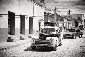 Cuba Fuerte Collection B&W - Classic Cars Taxis by Philippe Hugonnard