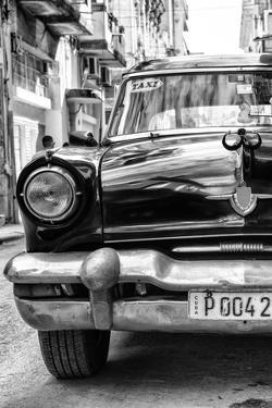Cuba Fuerte Collection B&W - Old American Taxi Car IV by Philippe Hugonnard