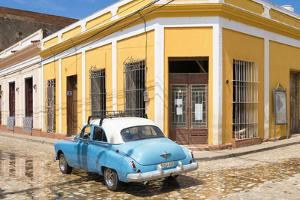 Cuba Fuerte Collection - Cuban Street Scene by Philippe Hugonnard
