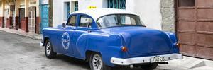 Cuba Fuerte Collection Panoramic - Blue Taxi Pontiac 1953 by Philippe Hugonnard