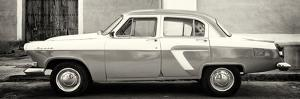 Cuba Fuerte Collection Panoramic BW - American Classic Car by Philippe Hugonnard