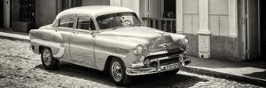 Cuba Fuerte Collection Panoramic BW - Cuban Taxi by Philippe Hugonnard