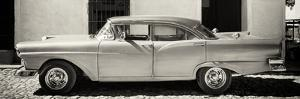Cuba Fuerte Collection Panoramic BW - Old American Classic Car III by Philippe Hugonnard