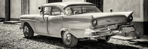 Cuba Fuerte Collection Panoramic BW - Old American Classic Car by Philippe Hugonnard