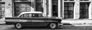 Cuba Fuerte Collection Panoramic BW - Old Car in Havana II by Philippe Hugonnard