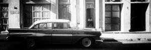Cuba Fuerte Collection Panoramic BW - Old Car in Havana III by Philippe Hugonnard