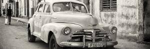 Cuba Fuerte Collection Panoramic BW - Old Chevrolet in Havana by Philippe Hugonnard