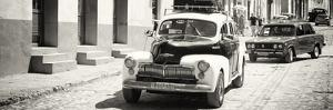 Cuba Fuerte Collection Panoramic BW - Taxis in Trinidad by Philippe Hugonnard