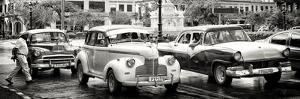 Cuba Fuerte Collection Panoramic BW - Vintage American Car Taxi of Havana by Philippe Hugonnard