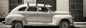 Cuba Fuerte Collection Panoramic BW - Vintage Car by Philippe Hugonnard