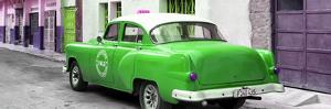 Cuba Fuerte Collection Panoramic - Green Taxi Pontiac 1953 by Philippe Hugonnard