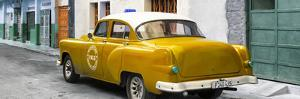 Cuba Fuerte Collection Panoramic - Honey Taxi Pontiac 1953 by Philippe Hugonnard