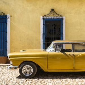Cuba Fuerte Collection SQ - American Classic Golden Car by Philippe Hugonnard