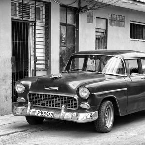 Cuba Fuerte Collection SQ BW - Classic American Car in Havana II by Philippe Hugonnard