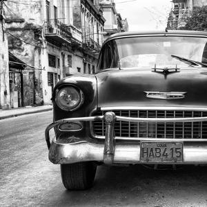 Cuba Fuerte Collection SQ BW - Detail on Old Classic Chevrolet II by Philippe Hugonnard