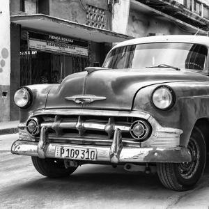Cuba Fuerte Collection SQ BW - Retro Car in Havana by Philippe Hugonnard