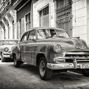 Cuba Fuerte Collection SQ BW - Two Chevrolet Cars by Philippe Hugonnard