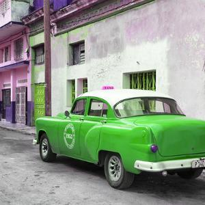Cuba Fuerte Collection SQ - Green Taxi Pontiac 1953 by Philippe Hugonnard
