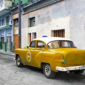 Cuba Fuerte Collection SQ - Orange Taxi Pontiac 1953 by Philippe Hugonnard