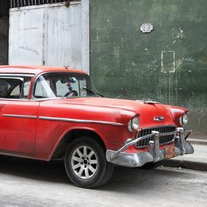 Cuba Fuerte Collection SQ - Red Chevy by Philippe Hugonnard