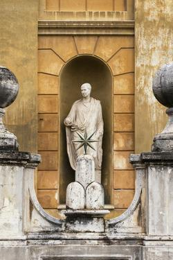 Dolce Vita Rome Collection - Vatican Statue by Philippe Hugonnard
