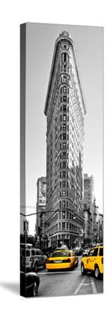 Flatiron Building with Yellow Cabs, Fifth Avenue, Broadway, Manhattan, New York