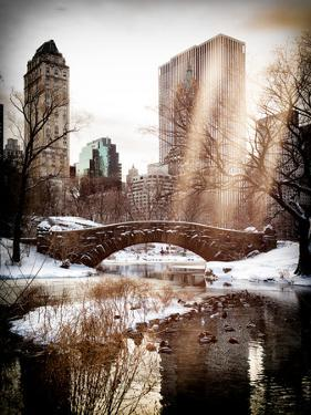 Instants of NY Series - Snowy Gapstow Bridge of Central Park, Manhattan in New York City by Philippe Hugonnard