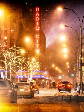 Instants of NY Series - Street Scenes and Urban Night Landscape in Winter under the Snow by Philippe Hugonnard
