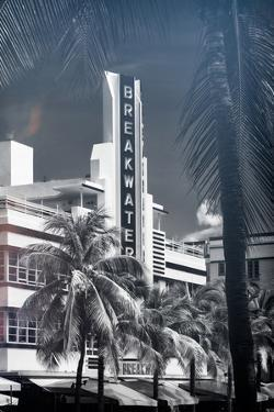 Instants of Series - Art Deco Architecture of Miami Beach - The Esplendor Hotel Breakwater by Philippe Hugonnard