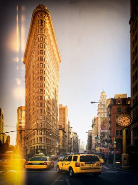 Instants of Series -Flatiron Building and Yellow Cabs - Manhattan, New York, USA by Philippe Hugonnard