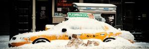 Panoramic View - NYC Yellow Cab Buried in Snow - Manhattan - New York - United States - USA by Philippe Hugonnard