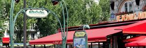 Paris Focus - Metropolitain Saint Michel by Philippe Hugonnard