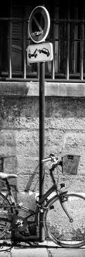 Paris Focus - No Parking by Philippe Hugonnard