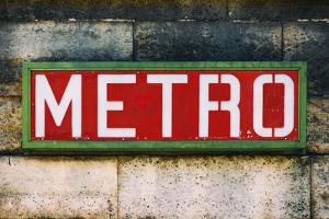 Paris Focus - Paris Metro by Philippe Hugonnard