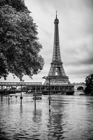 Paris sur Seine Collection - Along the Seine IV by Philippe Hugonnard
