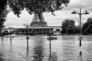 Paris sur Seine Collection - Along the Seine VII by Philippe Hugonnard