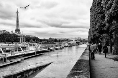 Paris sur Seine Collection - Banks of the Seine by Philippe Hugonnard