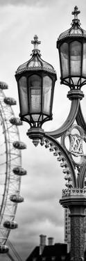 Royal Lamppost UK and London Eye - Millennium Wheel - London - England - Door Poster by Philippe Hugonnard