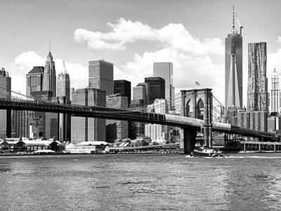 Skyline of NYC with One World Trade Center and East River, Manhattan and Brooklyn Bridge