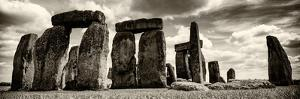 Stonehenge - Historic Wessex - Shrewton - Wiltshire - English Heritage - UK - England by Philippe Hugonnard