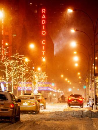 Street Scenes and Urban Night Landscape in Winter under the Snow by Philippe Hugonnard