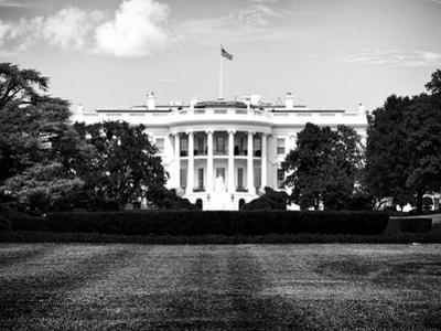 The White House South Lawn, Official Residence of the President of the US, Washington D.C by Philippe Hugonnard
