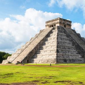 ¡Viva Mexico! Square Collection - El Castillo Pyramid in Chichen Itza by Philippe Hugonnard